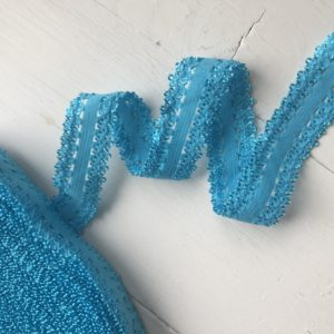 Мятно-голубая кружевная
