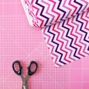 Ткань фиолетовый зиг-заг