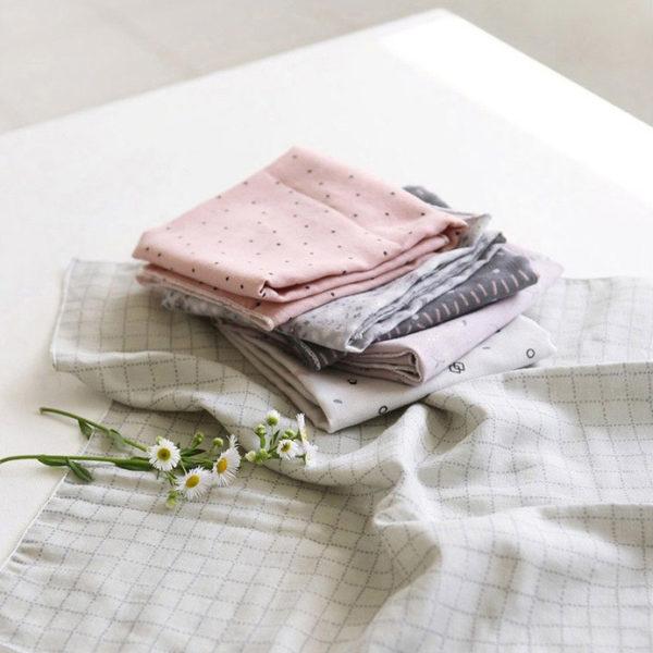 Ткань цветочные квадраты