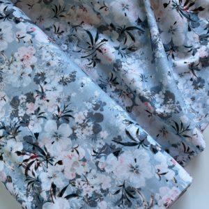 Ткань голубые цветы