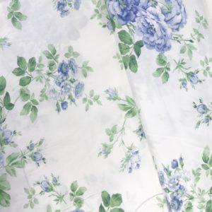 Ткань голубые розы