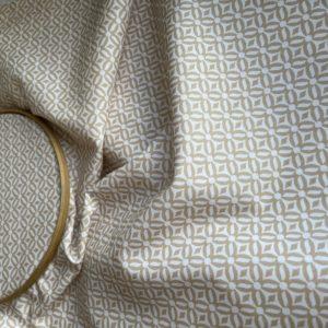 Ткань бежевый орнамент