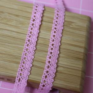Тесьма кружевная 10 мм розовая
