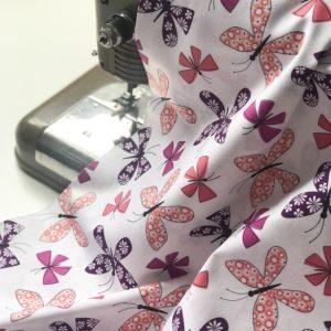 Ткань бабочки на белом